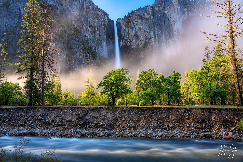 Beautiful Bridalveil Falls - Yosemite National Park, California