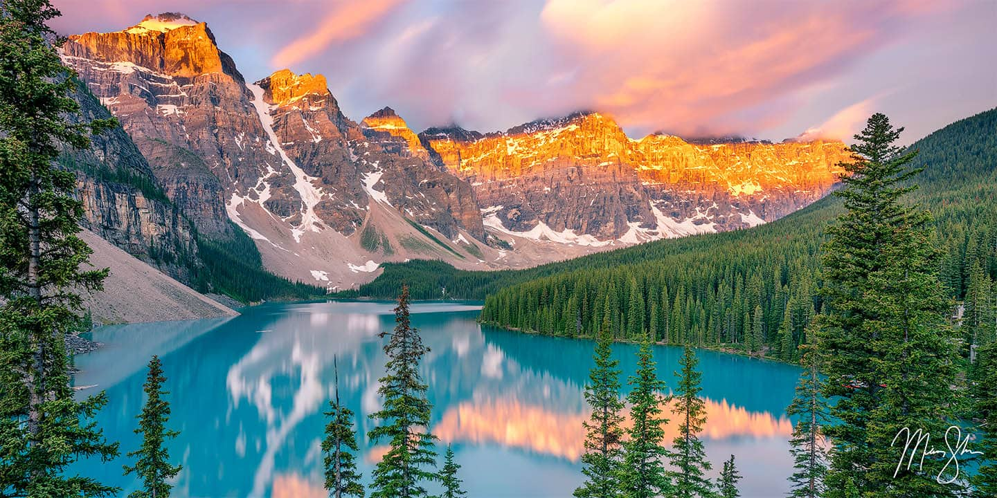 Canada Photography: Moraine Lake at sunrise
