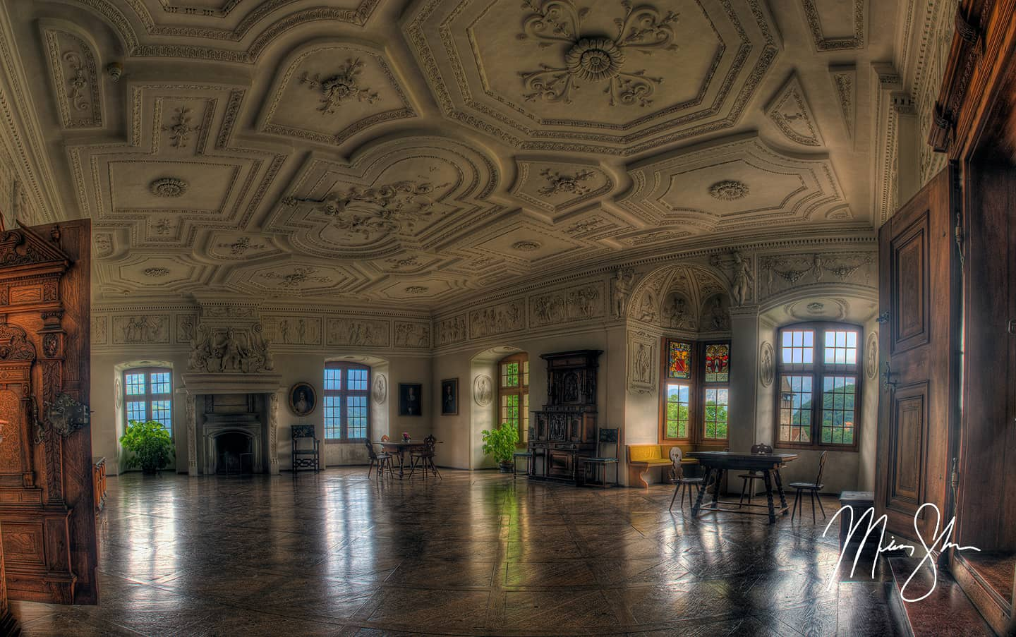 The Marble Room (Elegance) - Spiez, Canton of Bern, Switzerland