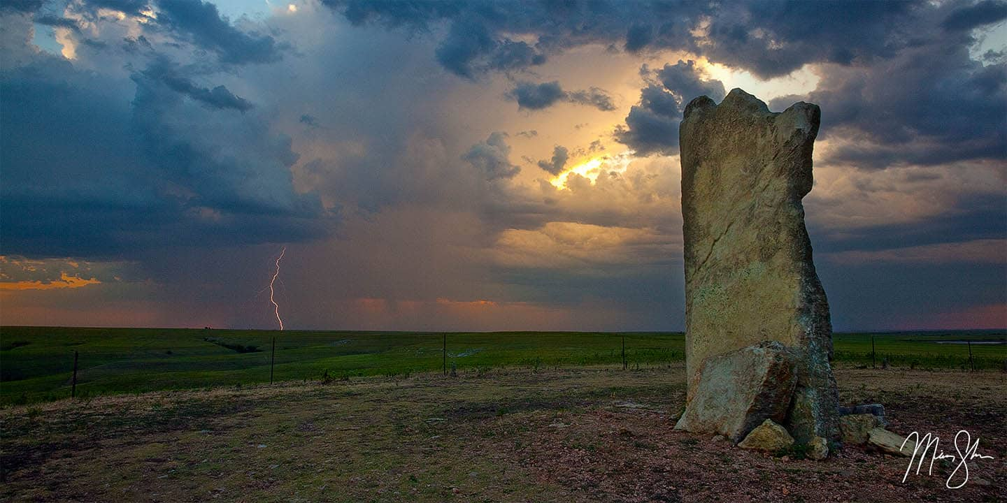 Flint Hills Photography: Sunset at Teter Rock