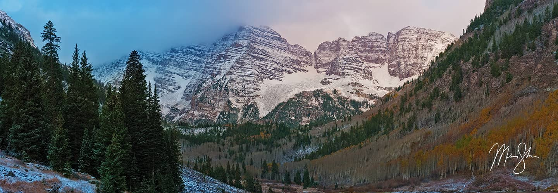 Moody Maroon Bells - Maroon Bells, Aspen, Colorado