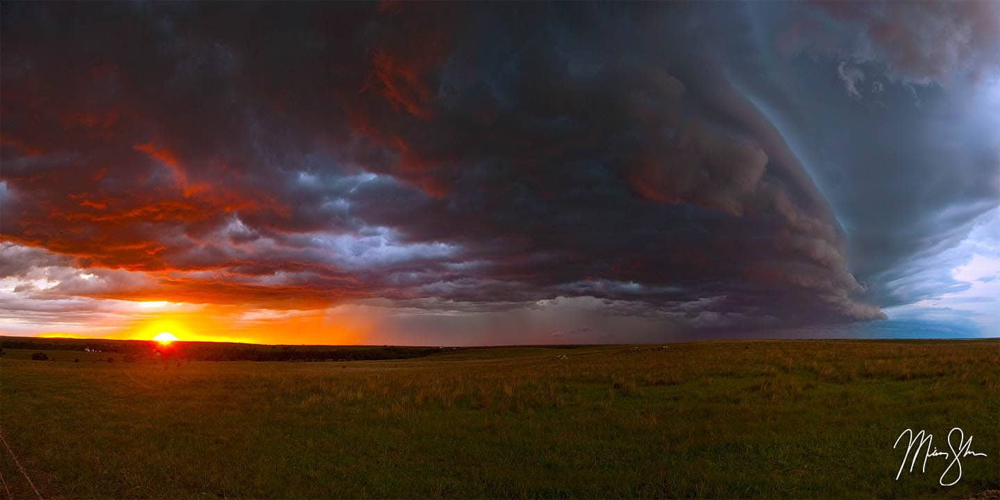 North Central Kansas: Kansas thunderstorms and sunset