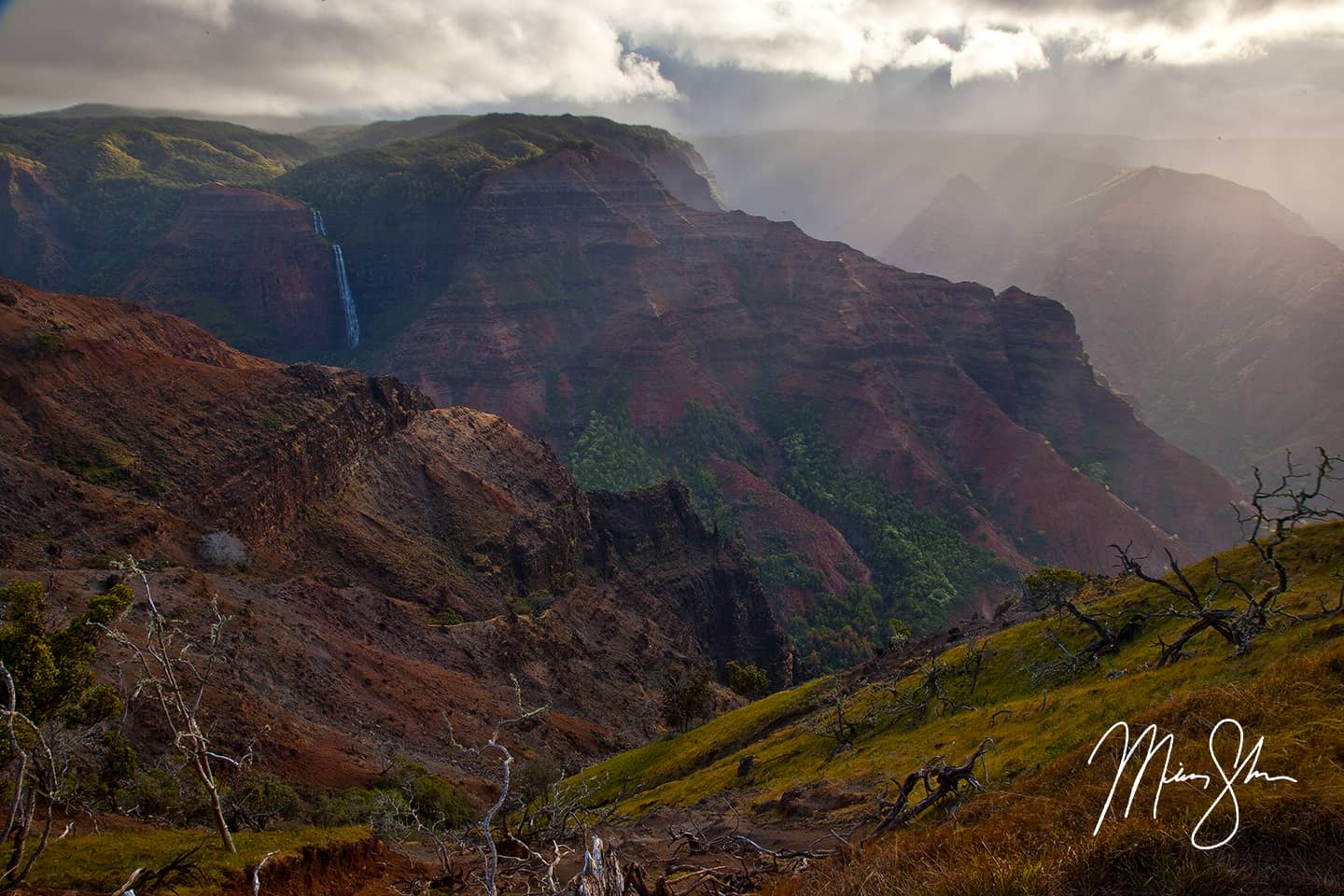Rays of Sunshine at Waimea Canyon