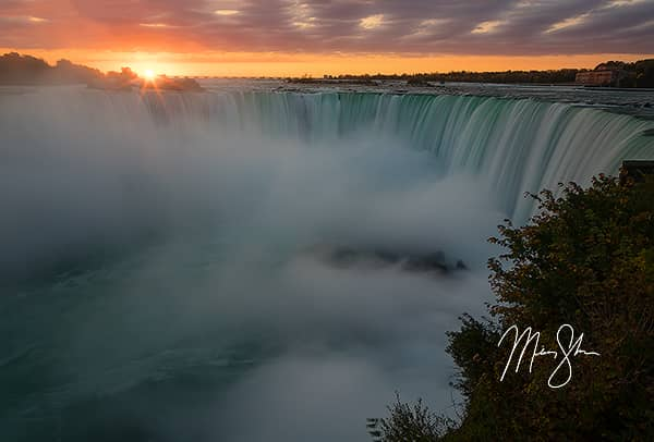 Horseshoe Falls Sunrise at Niagara Falls