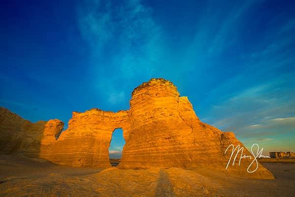 Monument Rocks Arch